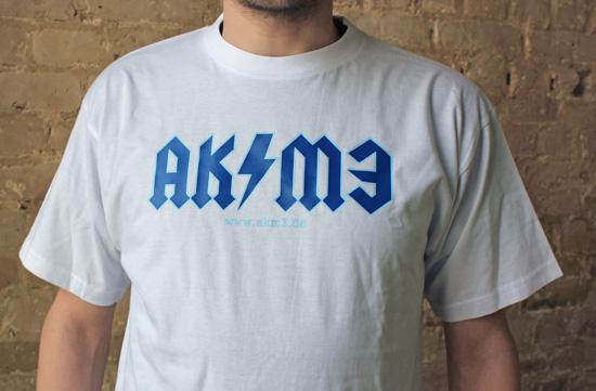 T-shirt von AKM3